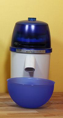 Getreidemühle hawos Novum Testsieger in blau